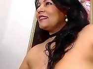 Chubby latina toys her butt on webcam