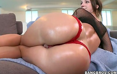 Jada Stevens -  she's got a marvellous massive ass!